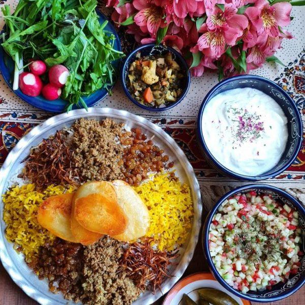 Adas polo, mast (yogurt), Khiyar shoor
