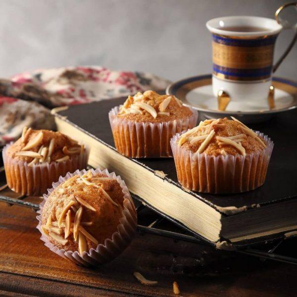 Cake Yazdi and Tea