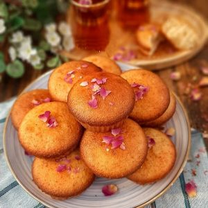 Cake Yazdi with Tea