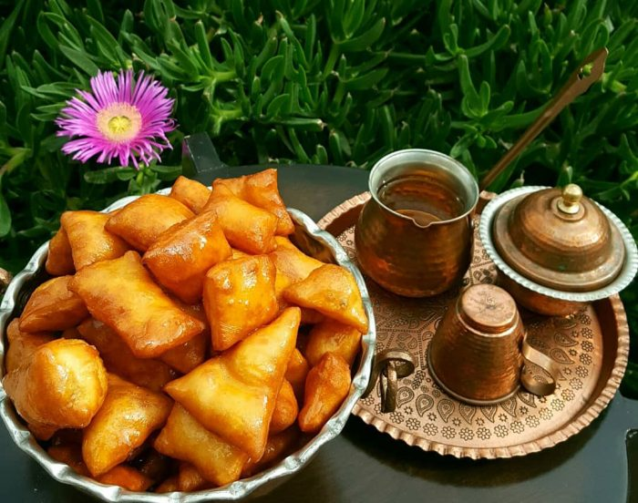 Gosh-e Fil And Tea
