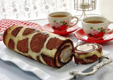 Persian Rollet with Tea